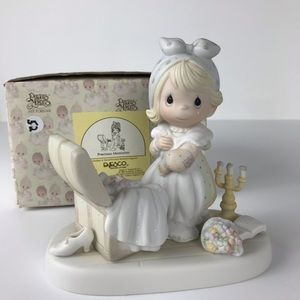 Precious Moments Precious Memories figurine